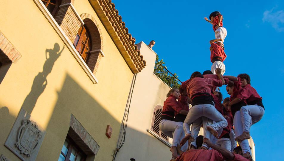 Imatge d'arxiu de la Colla Vella durant l'actuació a Vilallonga del passat 2015.