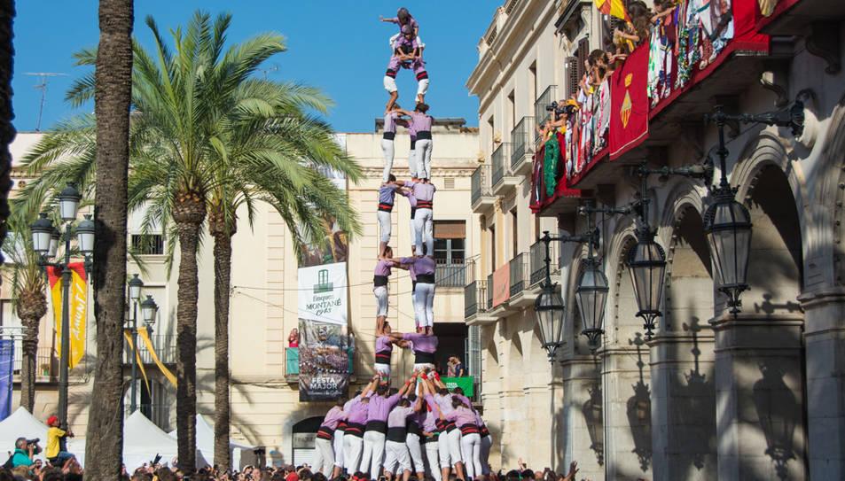 3de9 folrat de la Colla Jove de Tarragona a la diada de Vilanova.