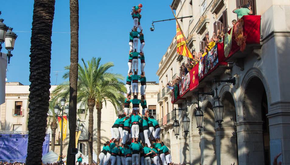 3de10fm dels Castellers de Vilafranca a la diada de Vilanova.