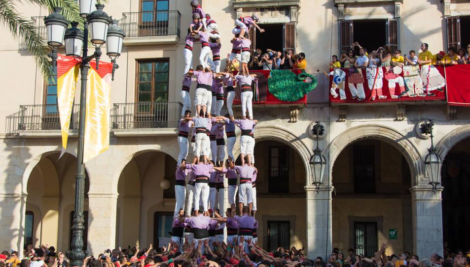 Primer 9de8 de la temporada de la Colla Jove de Tarragona a la diada de Vilanova.