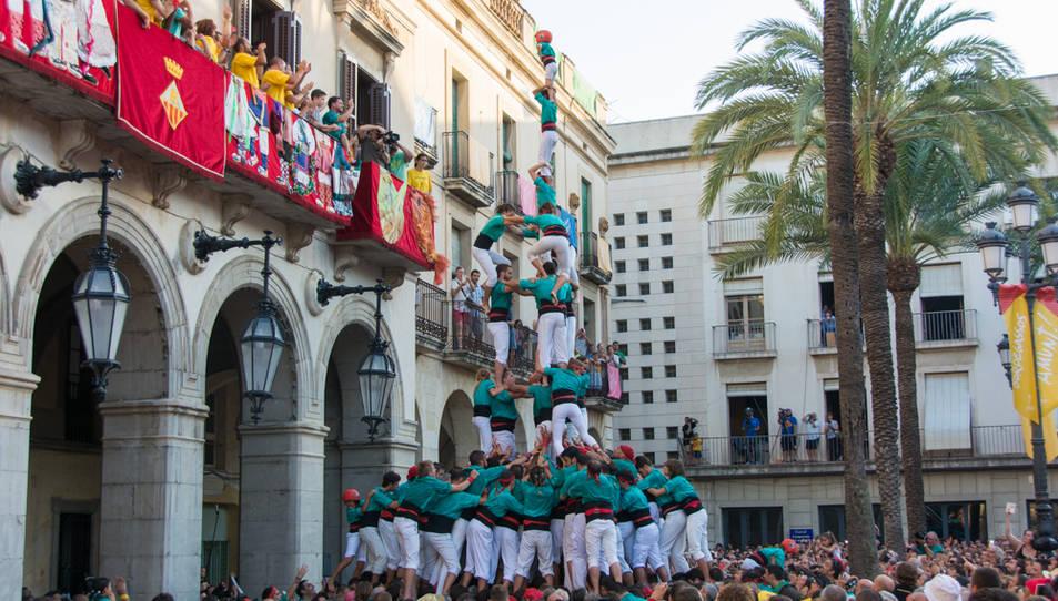 3de9 amb folre i pilar dels Castellers de Vilafranca a la diada de Vilanova.