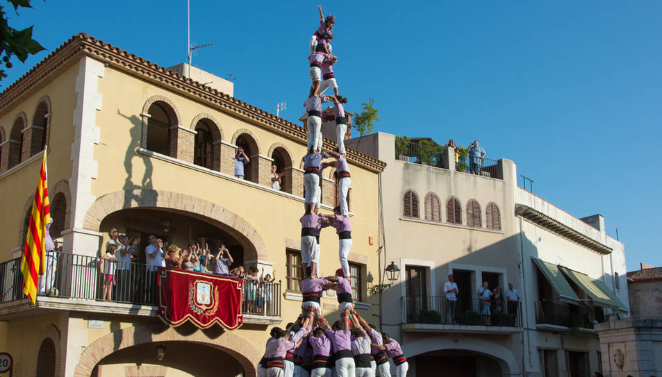 3de9 folrat de la Colla Jove de Tarragona a la diada de festa major de Vilallonga del Camp.