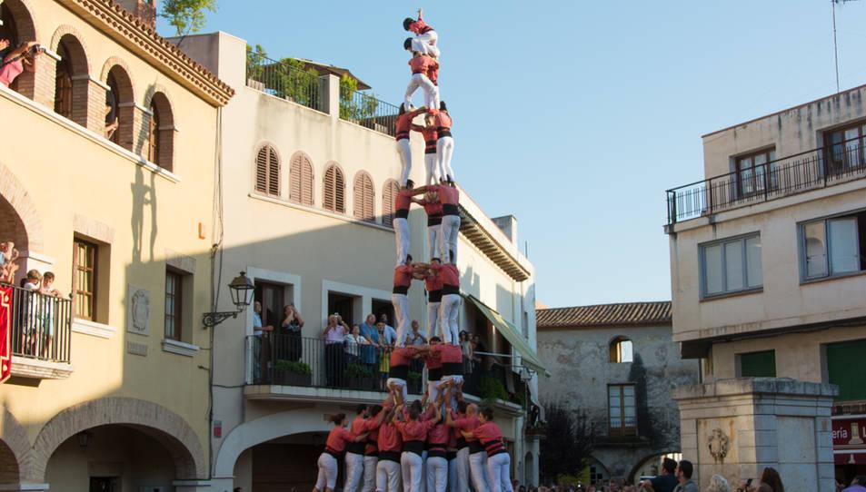 3de9 amb folre de la Colla Vella de Valls a la diada de festa major de Vilallonga del Camp.
