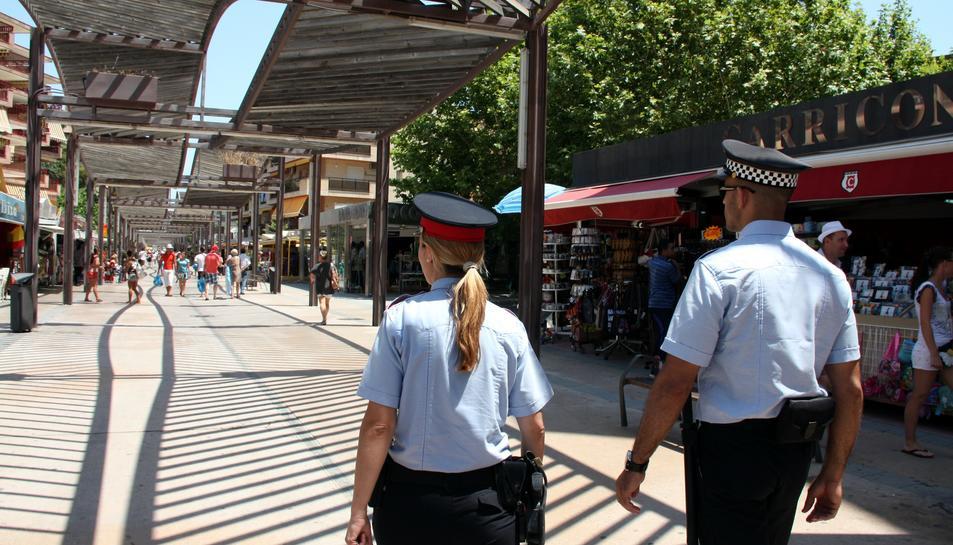 El reforç de la seguretat a Salou deixa a mig gas altres comissaries de Mossos