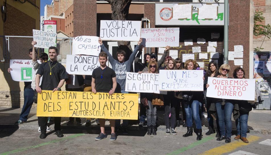 Citen a testificar als afectats pel tancament de l'autoescola Europa