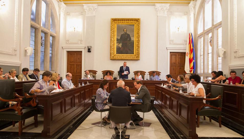 Una imatge d'arxiu d'un dels plens celebrats enguany a l'Ajuntament de Reus.