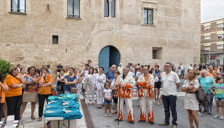 La Canonja dóna el tret de sortida a la Festa Major amb la presentació de la samarreta de la festa