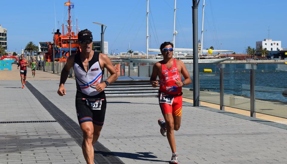 Arrenca el 7è Triatló de Tarragona amb la participació de 1.150 esportistes