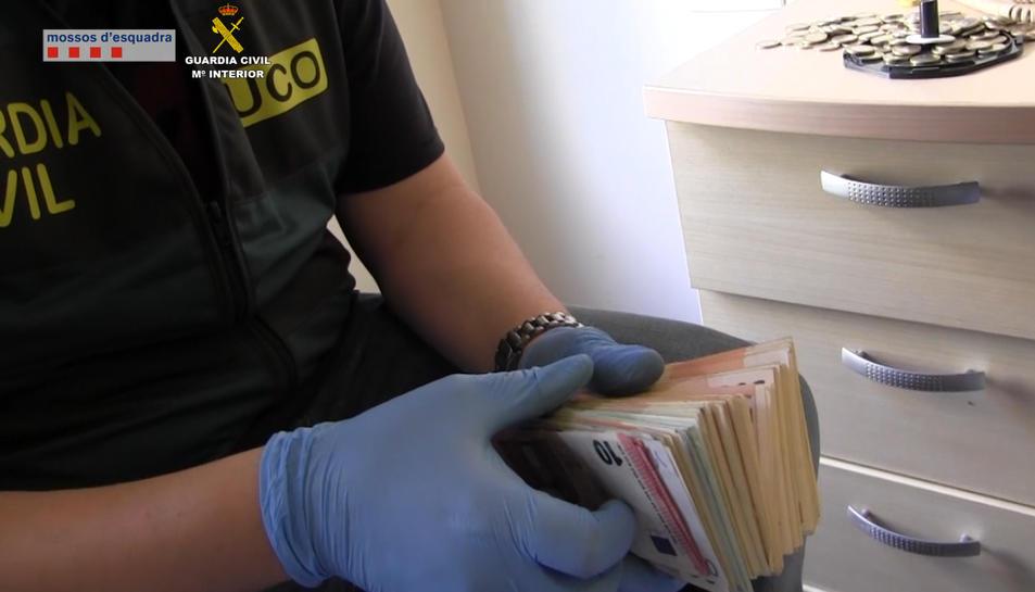 Desarticulen un grup criminal que produïa i distribuïa pornografia infantil des de Tortosa