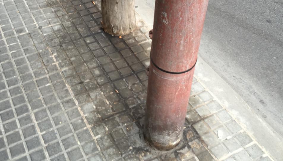 Avui Democràcia denuncia la manca de neteja als carrers de Torredembarra