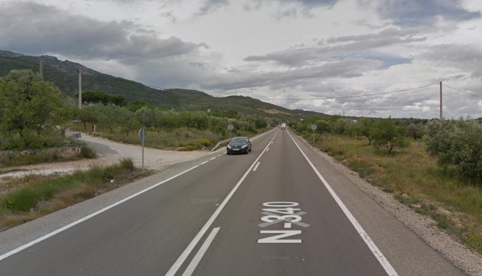 Accident entre un turisme i un camió a Alcanar