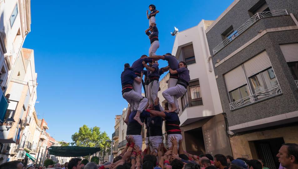 3de7 amb el pilar dels Xiquets del Serrallo a La Canonja.