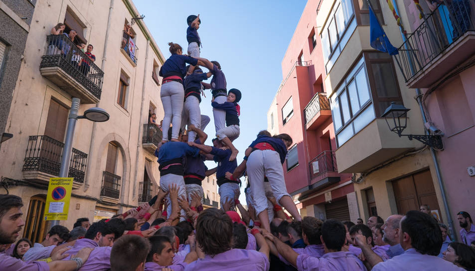 5de6 amb el pilar dels Xiquets del Serrallo a La Canonja.