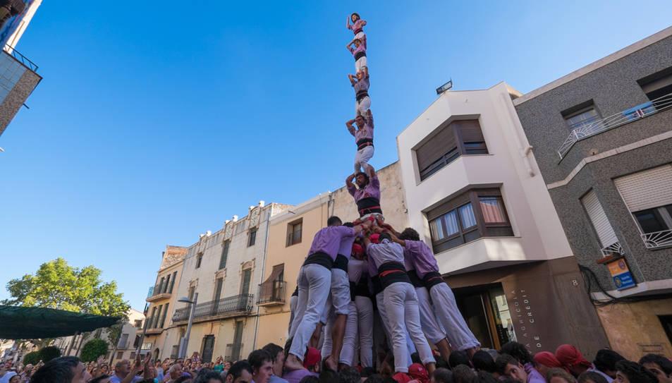 Pilar de 7 amb folre de la Colla Jove de Tarragona a La Canonja.