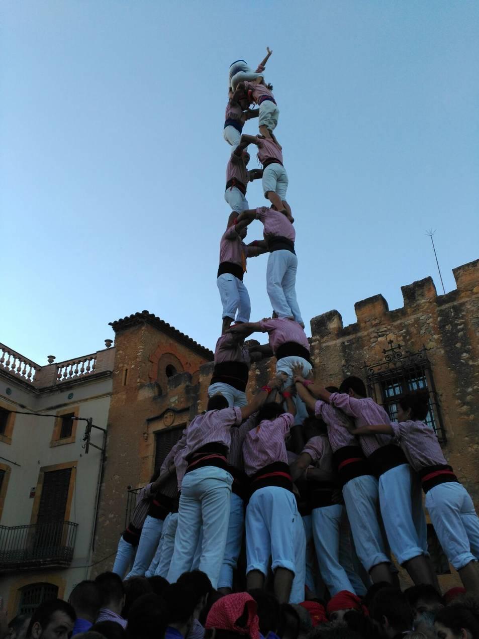 2de8 amb folre dels Xiquets de Tarragona a Ferran.