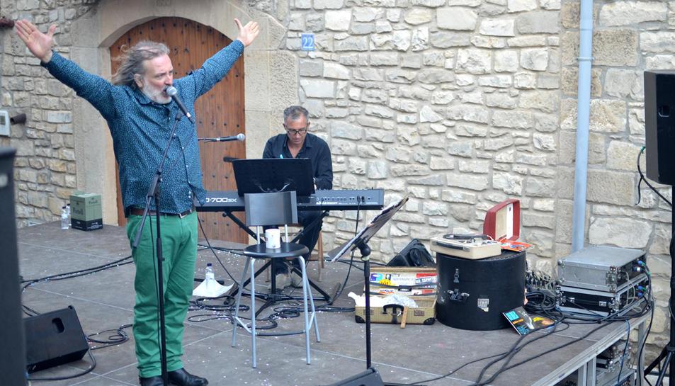 Imatge d'un moment de l'actuació de Joan Reig a la festa major de Belltall.
