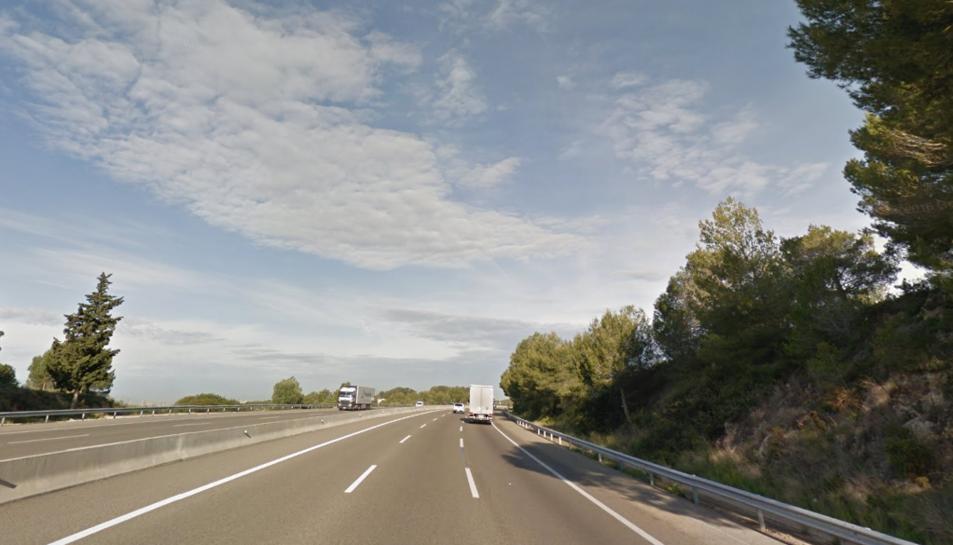 Un accident a l'AP-7 a Tarragona genera un quilòmetre de retencions