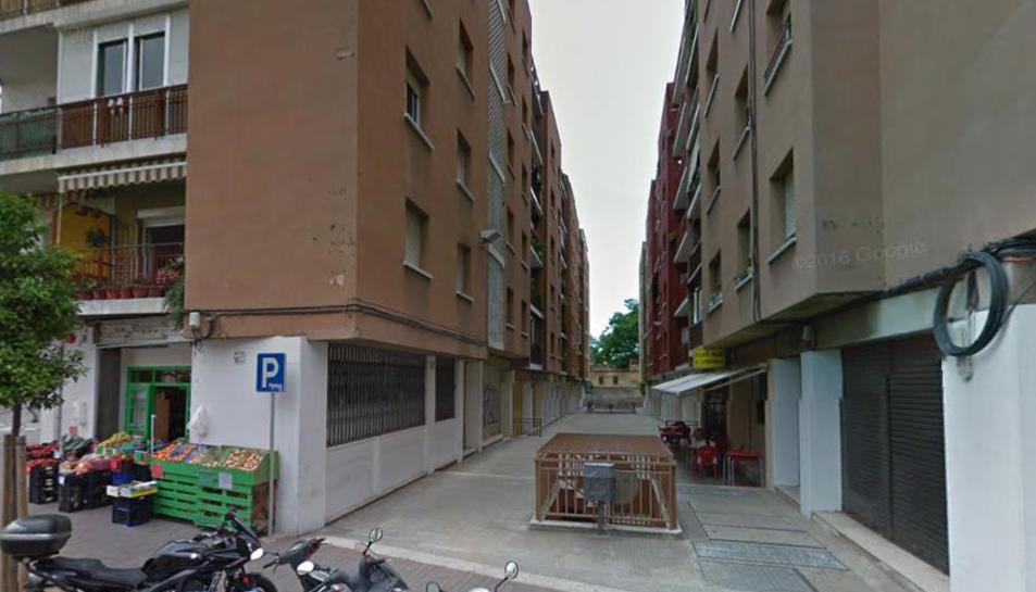 Un incendi en un local comercial obliga evacuar els veïns de dues plantes d'un edifici de Reus