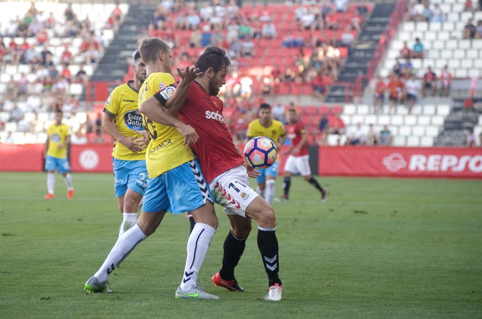 Álex López va ser el futbolista més destacat del Nàstic en atac, ja que va provocar un penal i va anotar el definitiu 2-2.