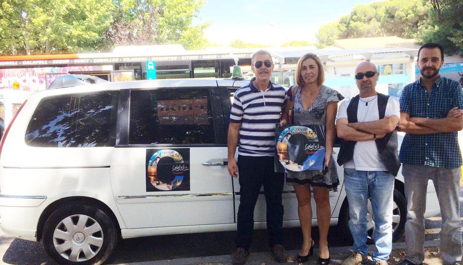 Els taxis de Calafell combaten l'intrusisme amb una nova retolació