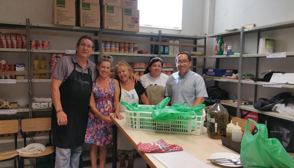 La Parròquia de Sant Francesc ofereix esmorzars a gent necessitada
