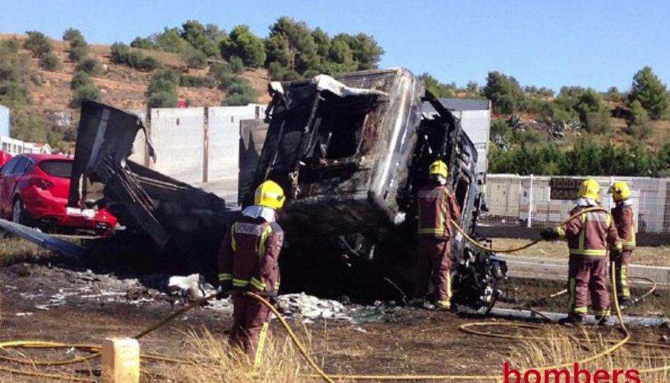 Un mort i dos ferits greus en un accident múltiple a l'N-240 a l'Espluga