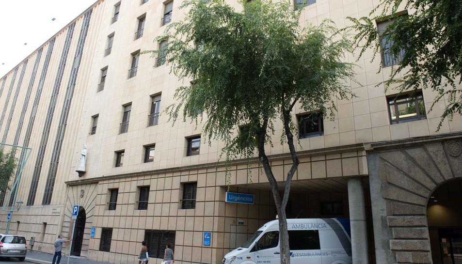 La façana de l'Hospital de Santa Tecla.