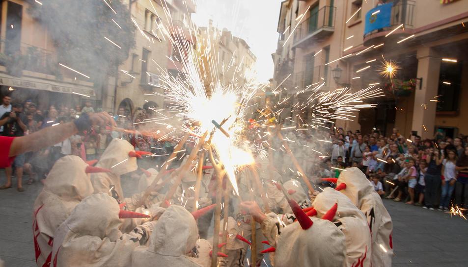 El foc i la música d'Strombers, Animal i Pepet i Marieta, protagonistes de les festes de la Mare de Déu del Camí