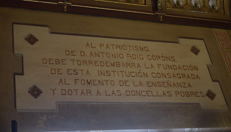 Torredembarra fa entrega de la dot a les donzelles