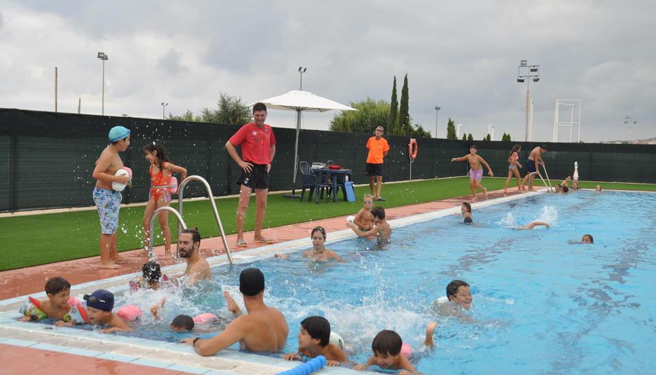 La piscina de Torredembarra reobre les seves portes al públic, després de 4 anys