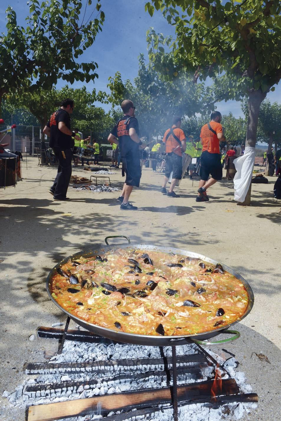 La Pobla celebra 25 anys de Paella Popular