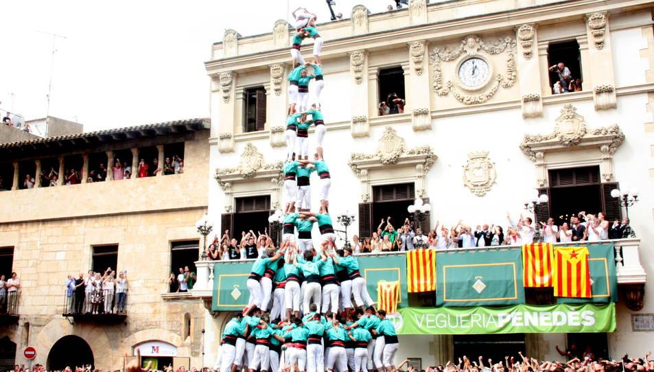 3de10fm dels Castellers de Vilafranca per Sant Fèlix.