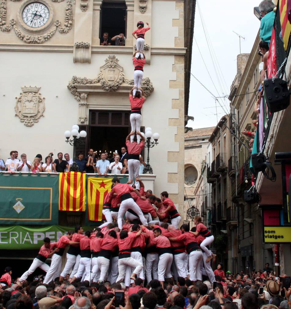 4de9fp de la Colla Vella de Valls per Sant Fèlix.