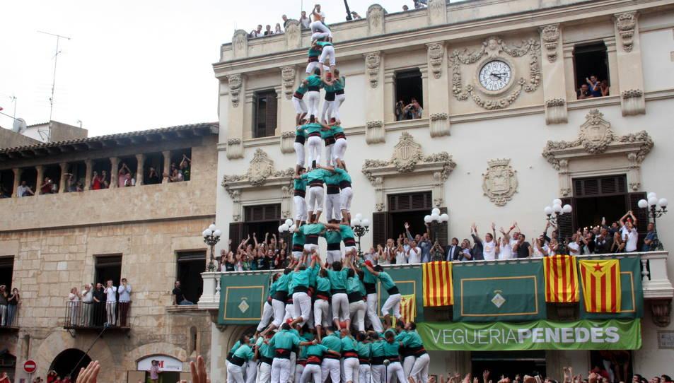 4de10fm dels Castellers de Vilafranca per Sant Fèlix.