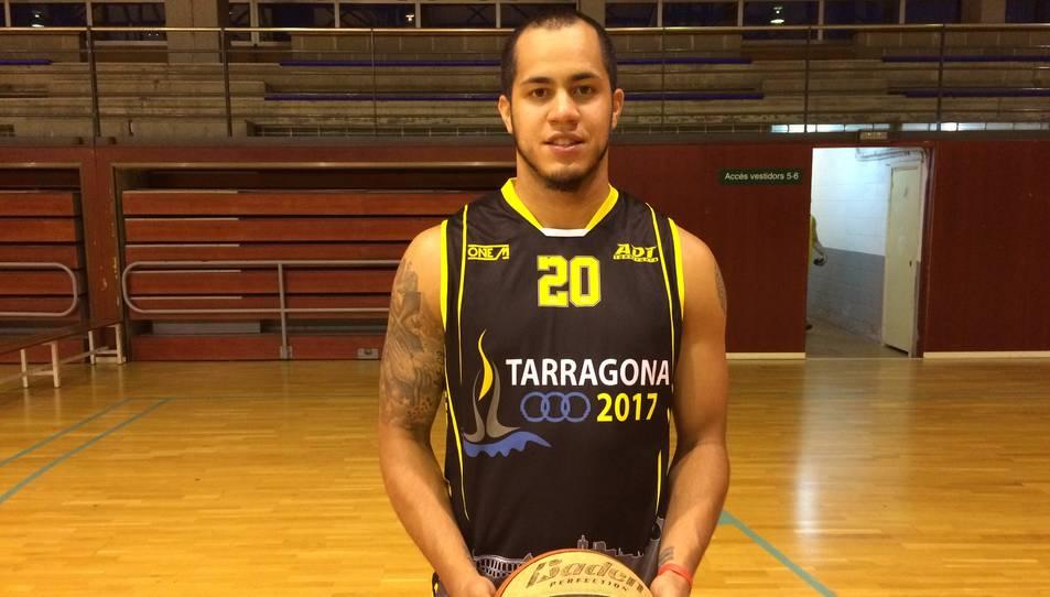 Victor Verdecia és un jugador exterior d'1,90 metres.