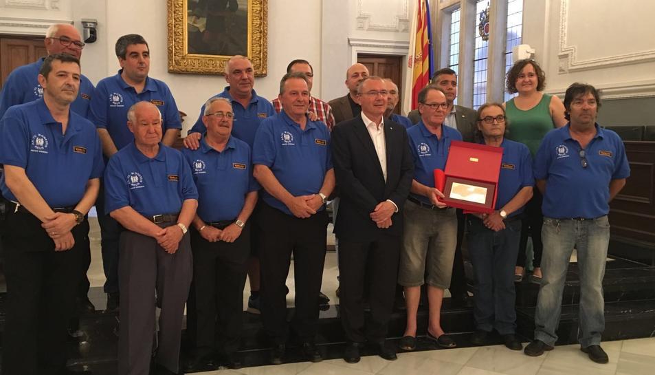 Els membres de la secció de dòmino de l'Associació de Veïns Monestir.