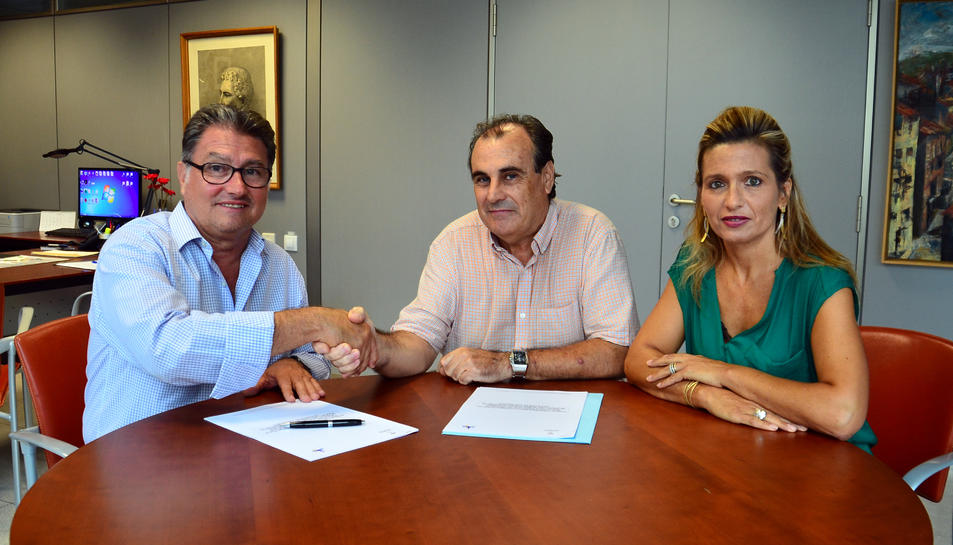 Pere Virgili, alcalde de Roda, Julián Unzaga, de l'empresa concessionària i