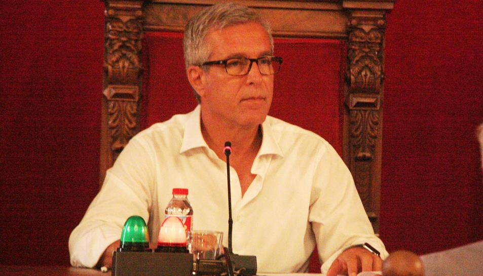 Primer pla de l'alcalde de Tarragona, Josep Fèlix Ballesteros, en plenari el 2 de setembre de 2016
