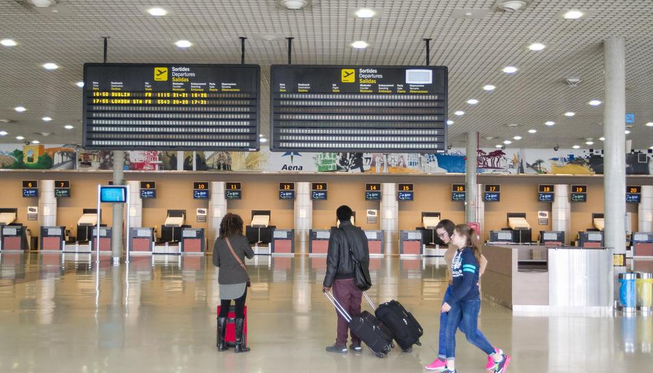Una imatge d'arxiu de l'interior de la terminal de l'Aeroport de Reus.