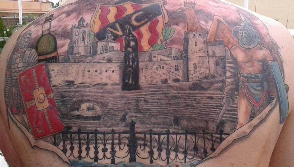 Portar els símbols de Tarragona marcats a la pell