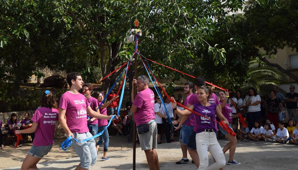 'Balla els Balls' exhibe sus danzas