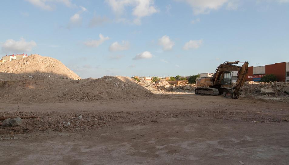 Els treballs de neteja a l'antiga  Sedera quedaran enllestits a finals de mes