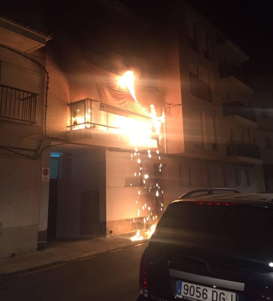 Imatge de l'incendi de l'aparell d'aire condicionat.