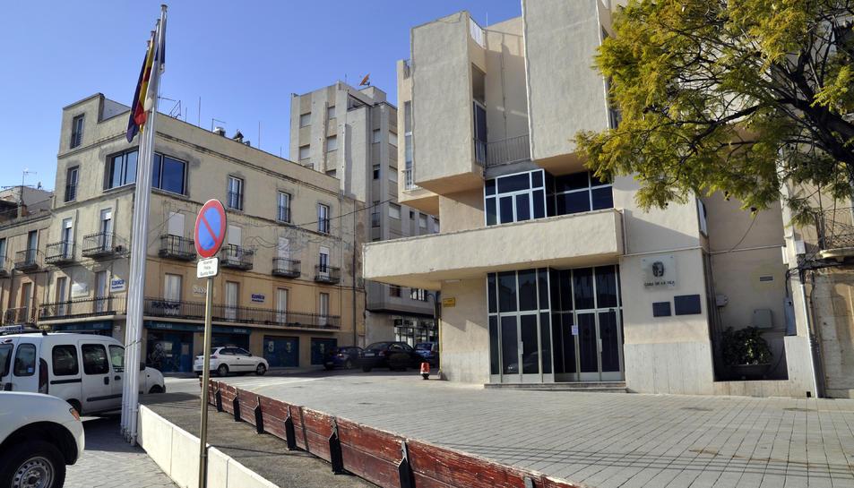L'Ajuntament contractarà onze persones a l'atur per treballar en serveis municipals