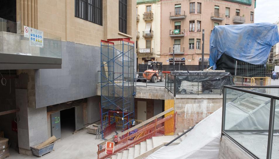 Imatge de la zona d'obres del Mercat Central.