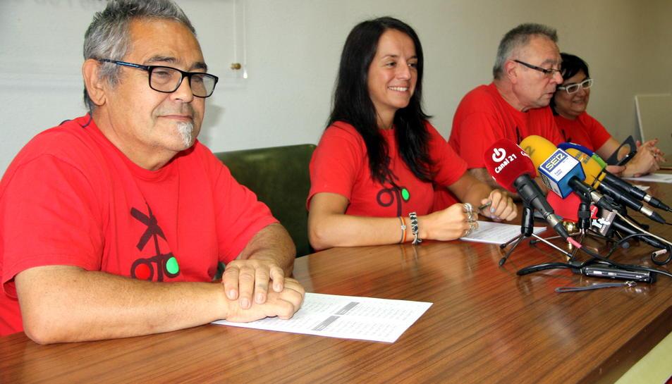 Els quatre portaveu de la plataforma Trens Dignes en roda de premsa a la seu de CCOO, a Tortosa. Imatge del 15 de setembre de 2016