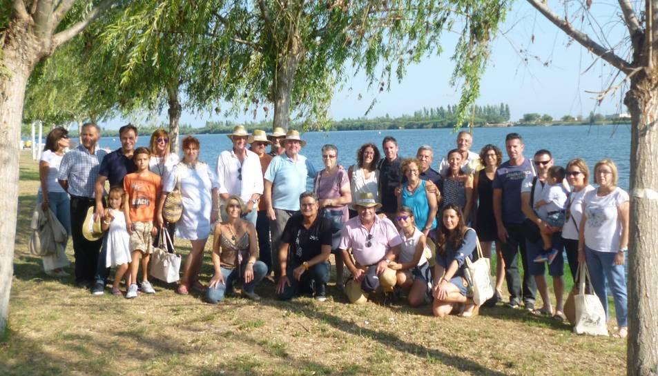 Fotografia de familia dels participants a la trobada