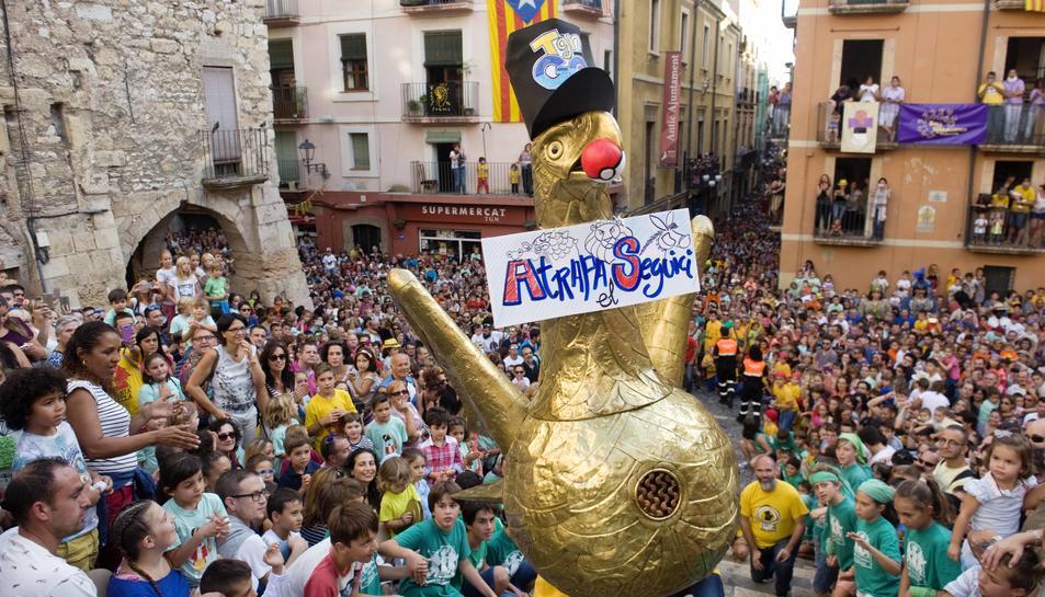 L'Aligueta de Tarragona ha sorprèsa tots els tarragonins amb la seva nova indumentària.