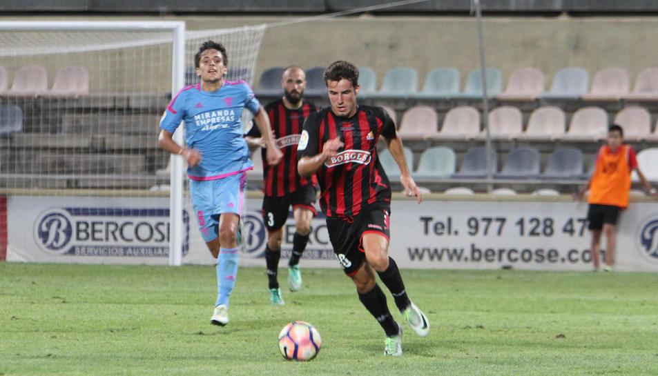 Ricardo Vaz, durant el partit contra el Mirandés, és un dels que ha 'mullat' aquesta temporada.