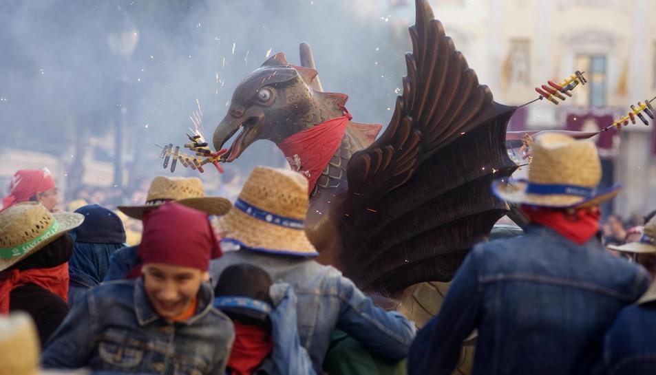 El Seguici Petit de la Festa Major omple la Part Alta de Tarragona de colors, música, nervis i una barreja d'emocions.
